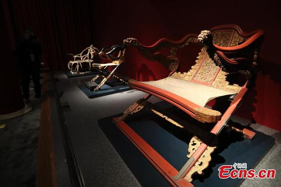 Palace Museum shows 300 pieces of furniture in new exhibition